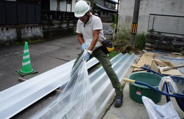 折板カーポートの施工
